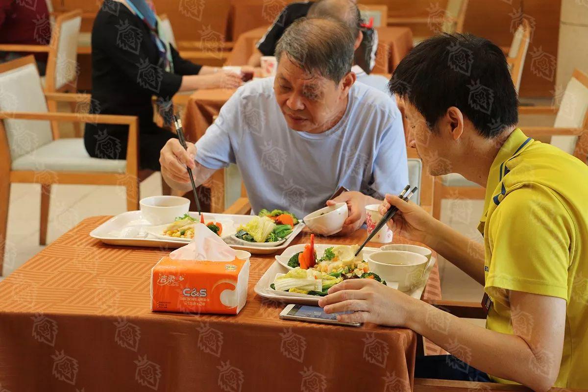 """罗马医科大学医院海泉湾中国首期""""心脏术后生命重建训练营""""营养餐"""